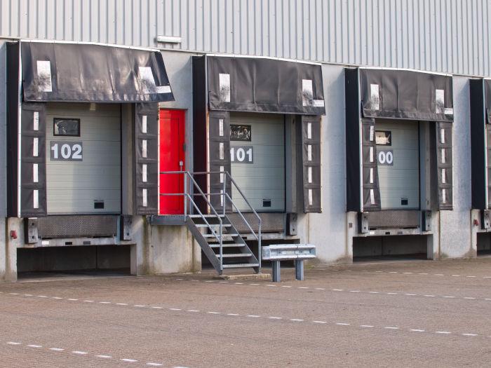 Kurtyny PCV - magazyny i hale przemysłowe